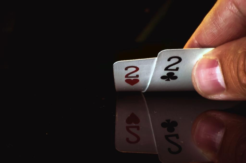 Cara Melakukan Semi-Bluff Dalam Poker
