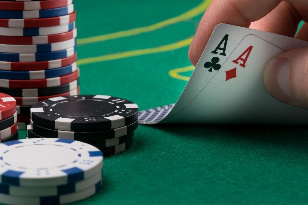 Apa Pilihan Anda?  Poker atau Teen Patti?  Inilah Yang Kami Pikirkan!